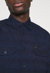 Lee - WORKER - Shirt - indigo - 4