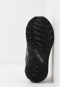 Columbia - CHILDRENS REDMOND WATERPROOF - Hiking shoes - black/flame - 5
