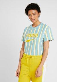 Puma - DOWNTOWN STRIPE TEE - Print T-shirt - milky blue - 0