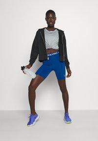 Nike Performance - SHORT HI RISE - Tights - court blue - 1