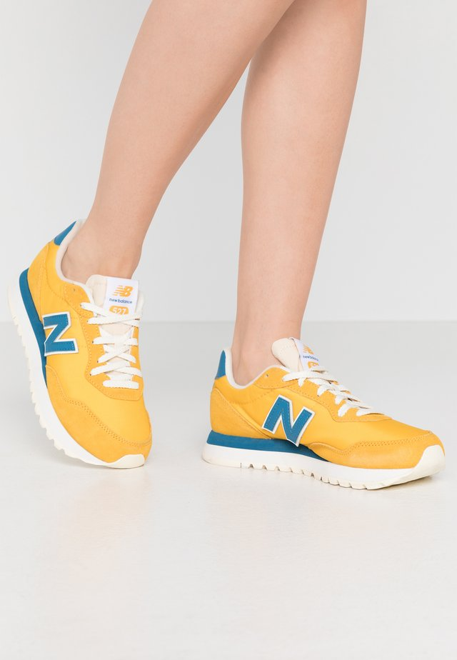 WL527 - Sneaker low - yellow