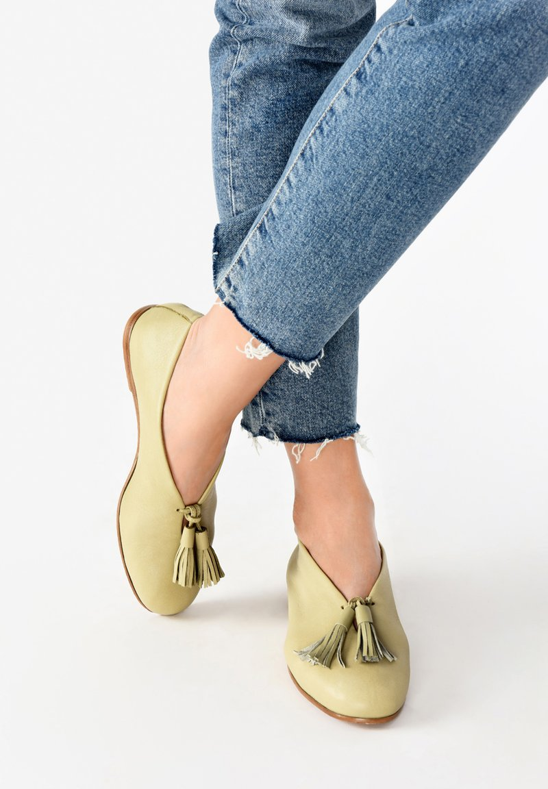 Inuovo - Loafers - olive