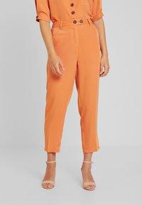 Fashion Union Petite - SAFFRON  - Trousers - orange - 0