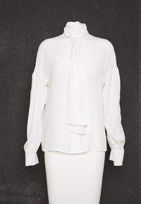 Pinko - IRISH BLUSA - Skjorte - white - 5
