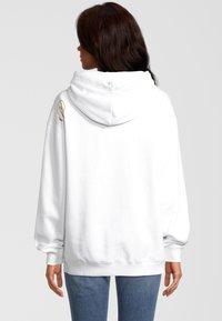 Mampela M´Ela Clothing - Hoodie - white - 1