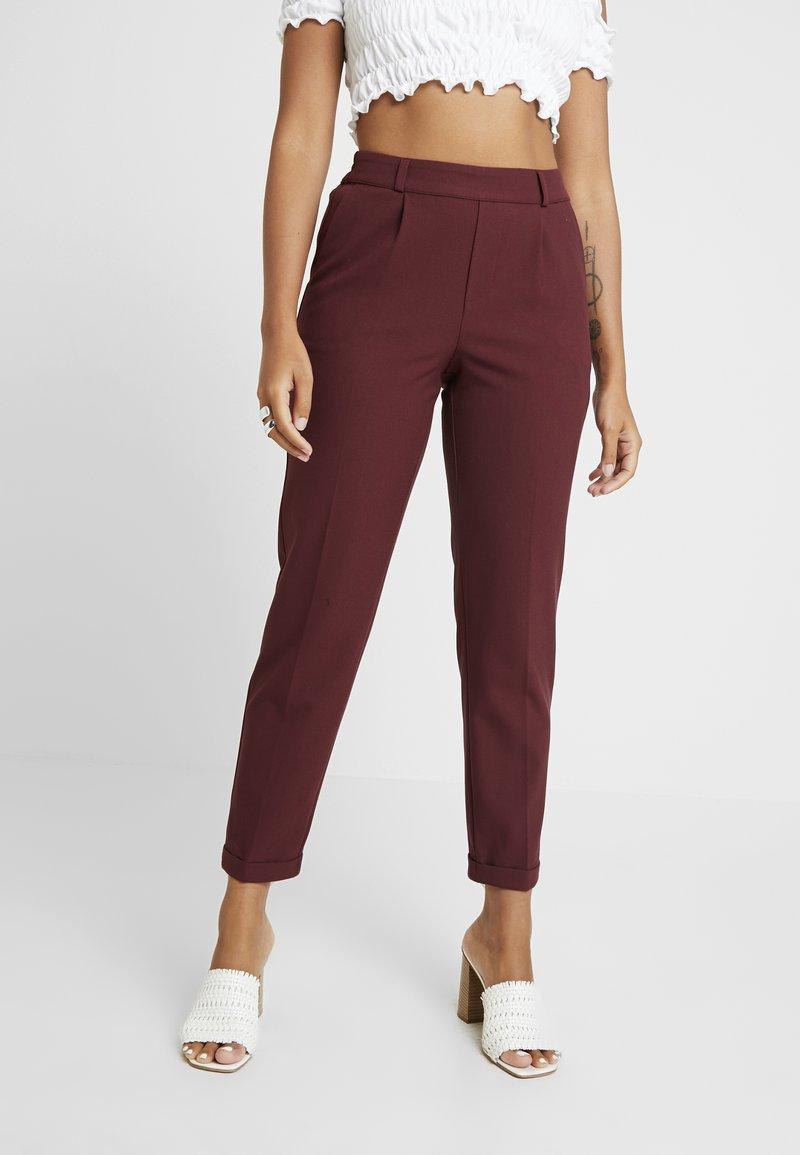 ONLY Petite - ONLFOCUS PANT - Trousers - tawny port