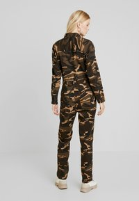 ONLY - ONLRAMBO BOILER JUMPSUIT  - Jumpsuit - indian tan - 2