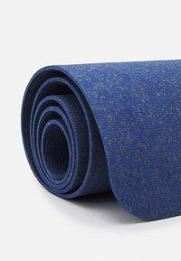 Nike Performance - MOVE YOGA MAT 4 MM UNISEX - Fitness/jóga - midnight navy - 3
