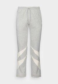 medium grey heather  white