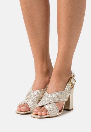 CAMIAM - Sandals - gold