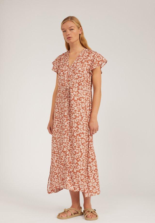 AMARAA  - Korte jurk - oatmilk