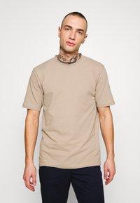Minimum - SIMS - Basic T-shirt - seneca rock - 0
