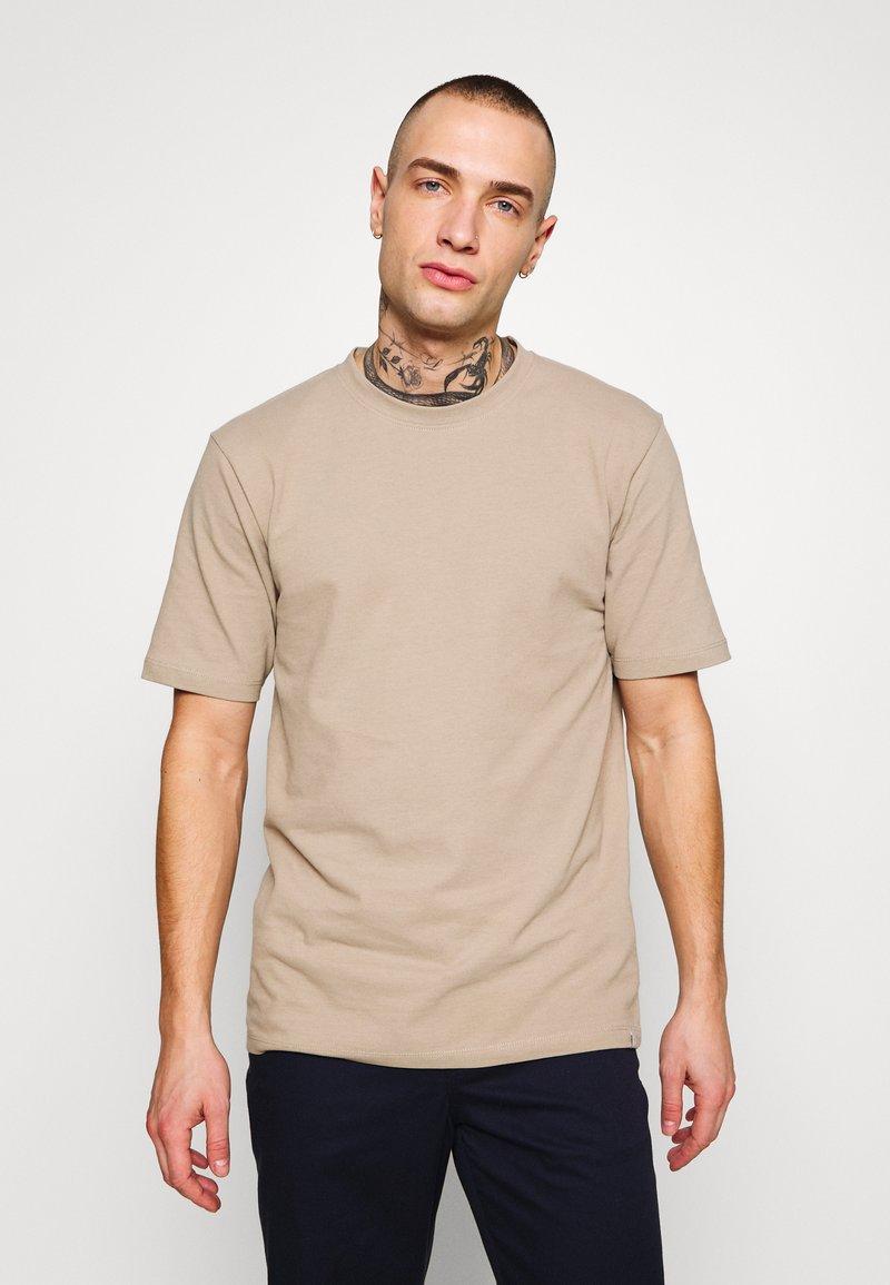 Minimum - SIMS - Basic T-shirt - seneca rock
