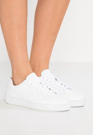 SALASI - Trainers - white