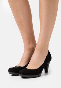 Marco Tozzi - COURT SHOE - Platform heels - black - 0