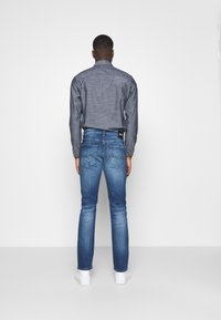 Tommy Jeans - SCANTON 132 MID STRETCH - Jeans Slim Fit - denim - 2