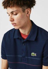 Lacoste - KORTE MOUW - Polo shirt - blau rot weiß - 2