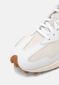 New Balance - WS327 - Trainers - munsell white - 7