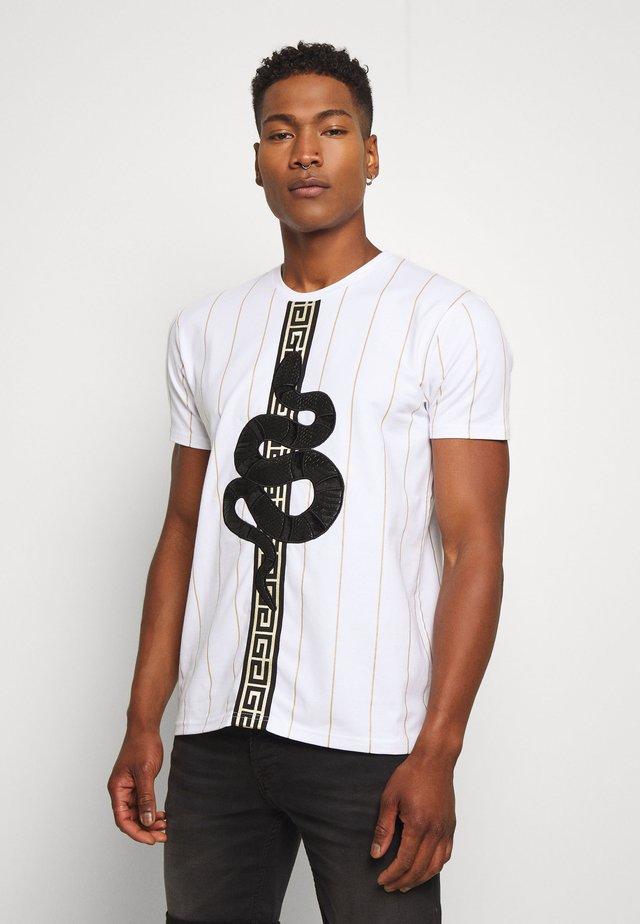 LUCHESSE - Camiseta estampada - white