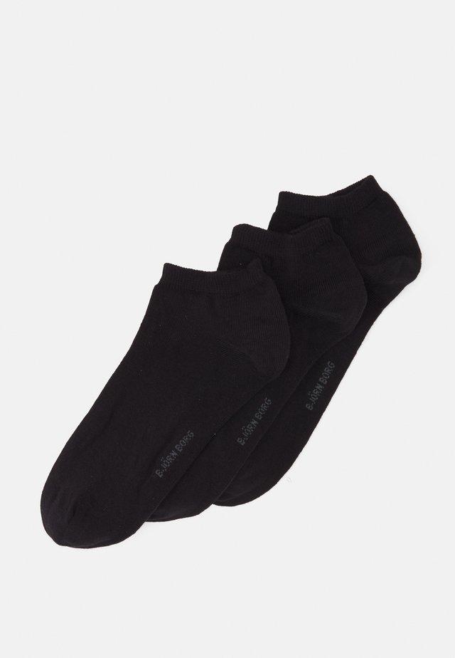 SOLID ESSENTIAL STEP SOCK 3 PACK - Strumpor - black