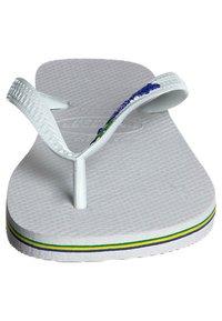 Havaianas - BRASIL LOGO - Pool shoes - white - 5