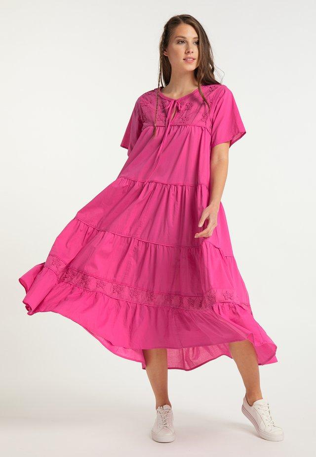 Maxiklänning - pink