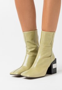 Topshop - HARRIS BLOCK - High heeled ankle boots - lime - 0