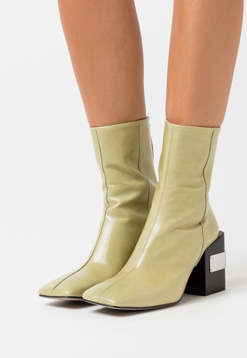 Topshop - HARRIS BLOCK - High heeled ankle boots - lime