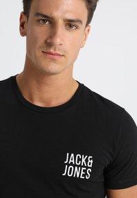 Jack & Jones - JACNIGHTWEAR GIFT SET - Pyjama set - black - 5