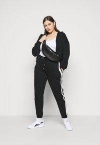 Even&Odd - Spodnie treningowe - black/white - 1