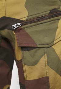 G-Star - ROVIC ZIP TAPERED - Cargo trousers - wood - 5