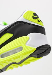Nike Sportswear - AIR MAX 90 - Sneakers - white/particle grey/light smoke grey/black/volt - 9