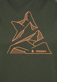 Zimtstern - PUREFLOWZ MENS - Triko spotiskem - forest night/bronze green - 2