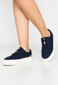 Tamaris - LACE UP - Sneakers laag - navy - 0