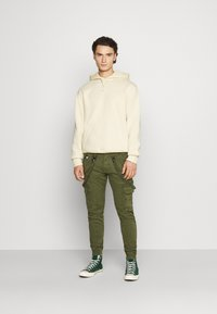 Alpha Industries - UTILITY PANT - Cargo trousers - dark olive - 1