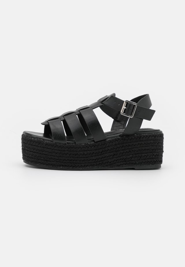 WIDE FIT LACEY - Sandały na platformie - black