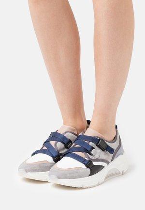 AMELIE - Sneakers - marino