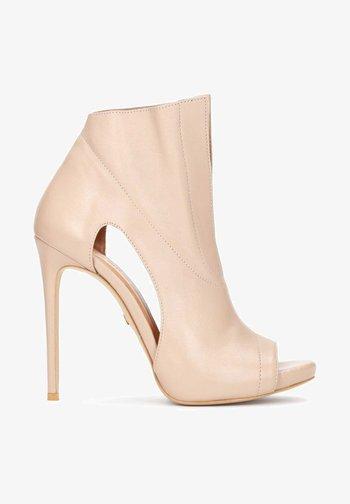 KANA - Peeptoe heels - beige