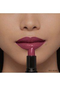 Bobbi Brown - LUXE LIP COLOR - Lipstick - red berry - 5