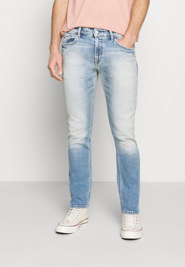 RYAN STRAIGHT - Jeans Straight Leg - barton light blue comfort