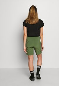 Patagonia - TYROLLEAN BIKE SHORTS - kurze Sporthose - camp green - 2