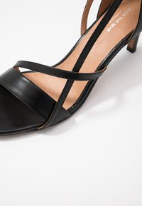 Shoe The Bear - ROSANNA STRAP - Sandals - black - 2