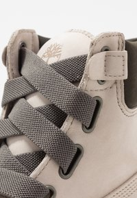 Timberland - 6IN PREMIUM CONVENIENCE - Bottes de neige - light taupe - 2