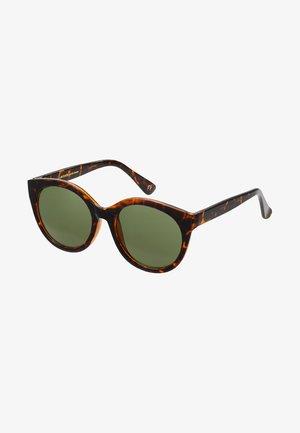 BUTTERFLY - Sluneční brýle - brown
