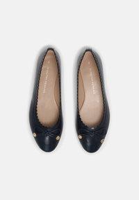 Dorothy Perkins - PEACE SCALLOP - Ballet pumps - navy - 4