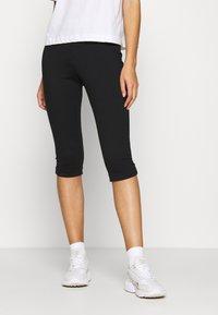 Calvin Klein Jeans - MILANO CAPRI PANT - Shorts - black - 0