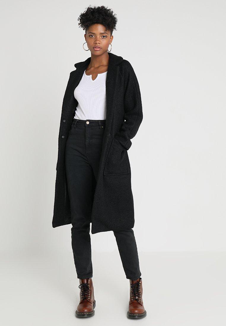 Noisy May - NMZOE  - Classic coat - black