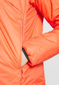 Norrøna - FALKETIND THERMO HOOD - Outdoor jacket - flamingo - 4
