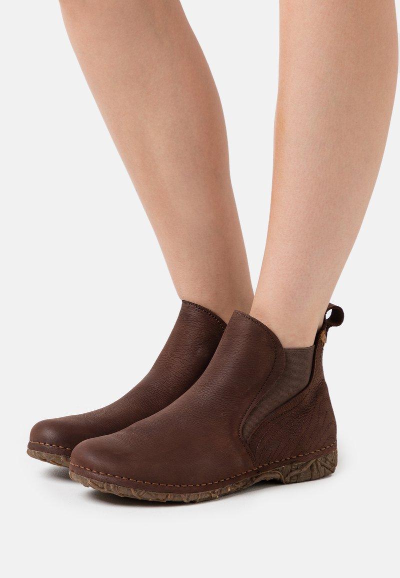 El Naturalista - ANGKOR - Ankelboots - pleasant brown