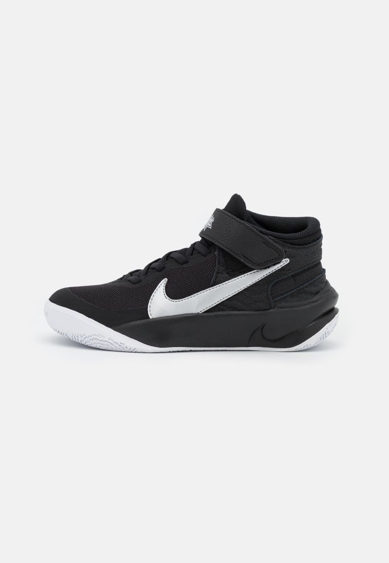 Nike Performance - TEAM HUSTLE D 10 FLYEASE UNISEX - Koripallokengät - black/metallic silver/volt/white